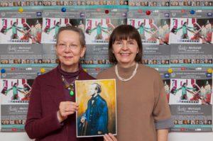 """Jasenka Roth (rechts) und Monika Beer bei der Pressekonferenz zur """"Parsifal""""-Werkstatt im Frühjahr 2017 Foto: Erich Weiß"""